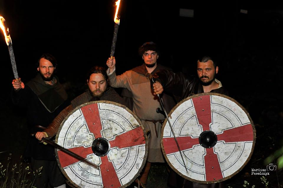 zdjęcie inscenizacji wioski wikingów